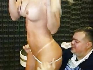 Amateur digital display radio waterfall - Busty blonde in paraguayan radio