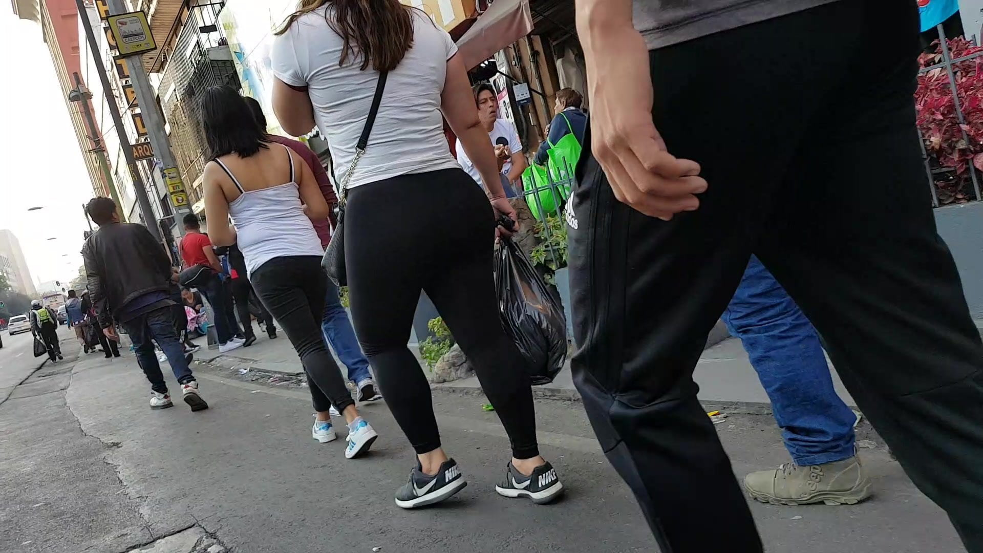 Negra Culona En Legind Mi Hermana Porno nalgaly leggins negros