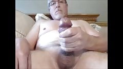 Bearded mature man unload