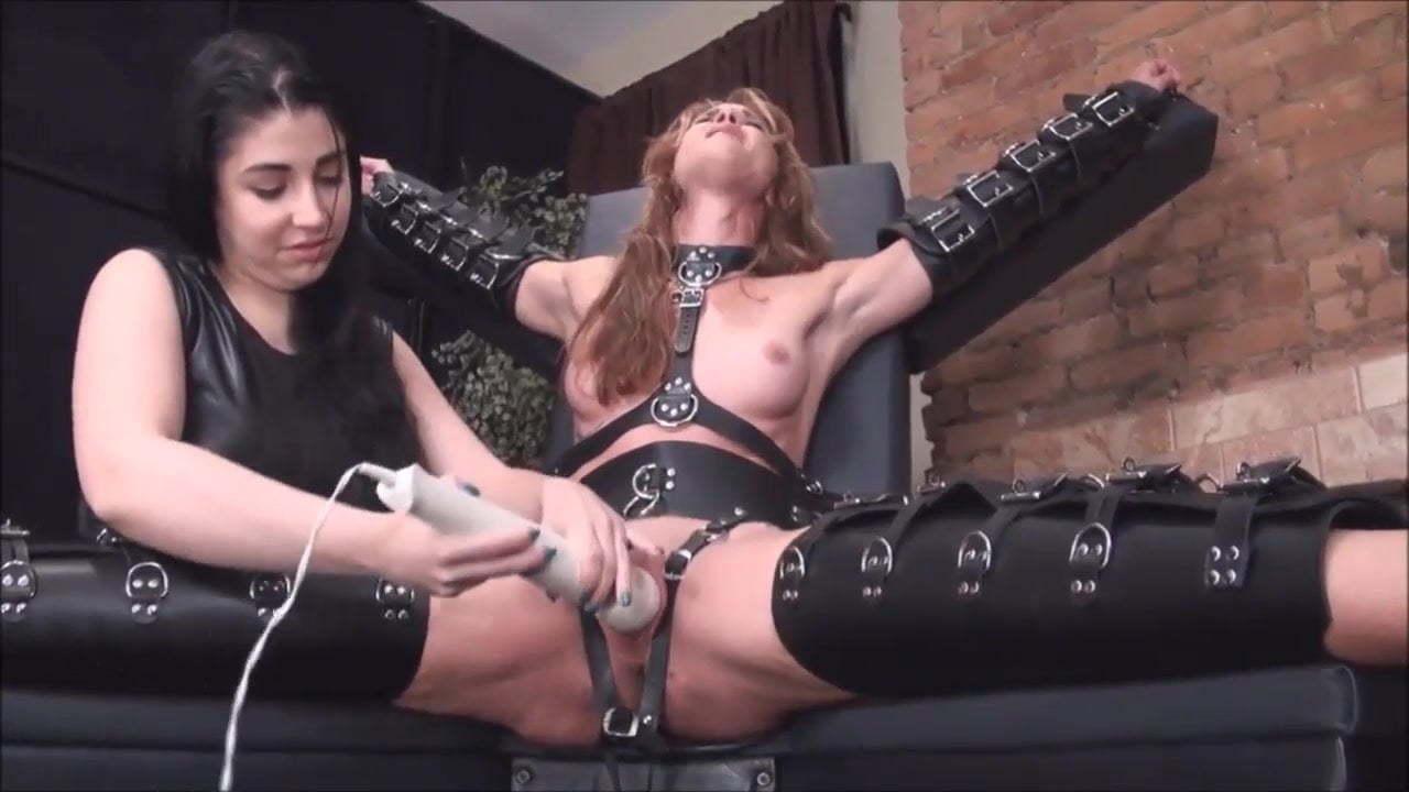 Pussy Bondage Pump Lesbian