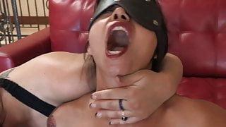 Tattooed babe in a corset licks curvy brunette's ass
