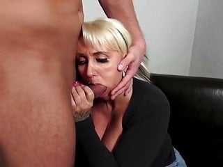 Mature moms mpeg video Sexy mature moms suck and fuck not their sons