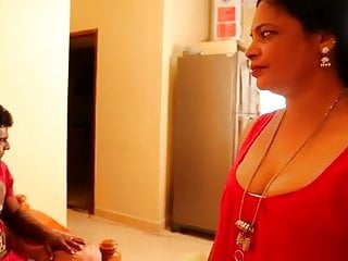 Tamil Aunty Seduced By Plumber