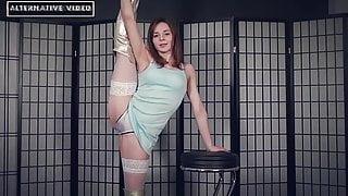 Flex sexy girl