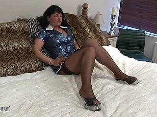 Mature milf snatch 52yo mature slut playing with her snatch