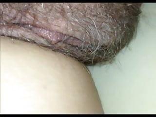 Bright strip blanket Pussy close-up under the blanket secretly filmed