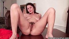 Mom's hairy pussy gets an orgasmic treat