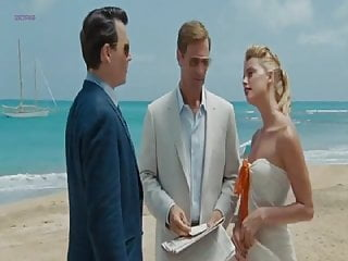 Amber heard naked in the informers Amber heard - the rum diary