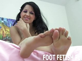 I love to show my cunt - I want to show my hot little toes off for you