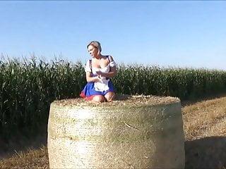 Farm blowjob Hot dutch farm girl takes cock in field