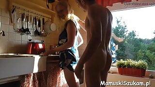 mamuska daje dupy przed obiadem