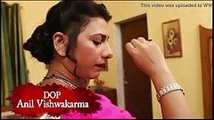Tailor bale ke god me bhabhi ne apni jbani lutayi hindi web