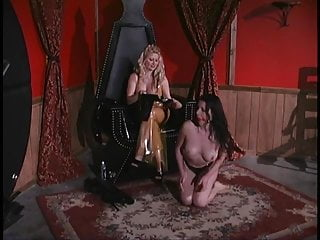 Sexy in latex Slut punishes sexy sex slave in latex