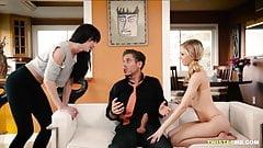 Ein Mann mit vier wilden Frauen