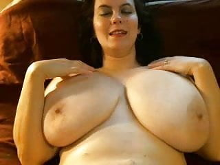Bottom of cup Webcams 2014 - milf with l cups