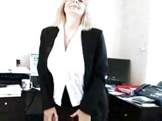 Sandys mature Secretary sandy