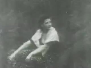 Erotic brunette movies Vintage erotic movie 10 - the great fight 1925