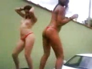 Bikini girl com Fank com as safadas