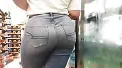 Langer Hintern in Jeans Teil 2
