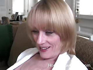 Mature beep homemade porn Mature blonde in her first homemade porn