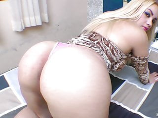 Brutal face fucking tube Cruel smothering with rosangelas ass - brutal face fuck