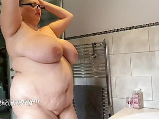Stephen bottoms Simone stephens huge tits and belly bath