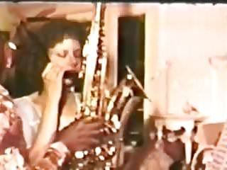 Vintage horn rimmed frames Tootsy rolls no.18 - horn blower.avi