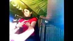 Pareja india desi recién casada teniendo sexo en casa