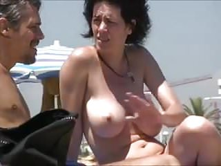 Woman nudist - Spying on gorgeous woman on a nudist beach
