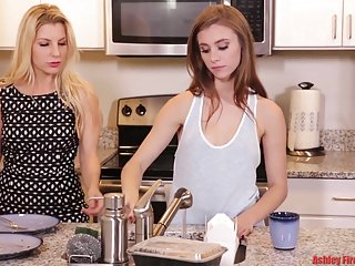 Lesbian valkryes - The weekend modern taboo family