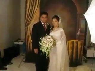 Free sleeping wedding sex pics Sri lankan wedding sex