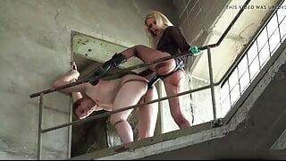 Strap-on Girls !