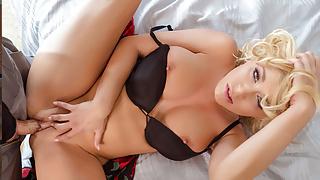 VR BANGERS Blonde Cougar Gets Fucked By Service Guy VR Porn