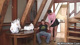 Hairy girlfriends step mom sucks and rides his big dick