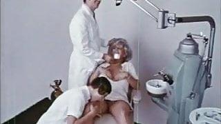 MRS HARRIS' CAVITY & COUSIN PAULINE ( 2 VINTAGE 70's FILMS )