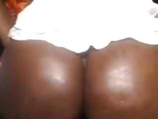 Big round butt porn Amateur ebony with big round butt on webcam