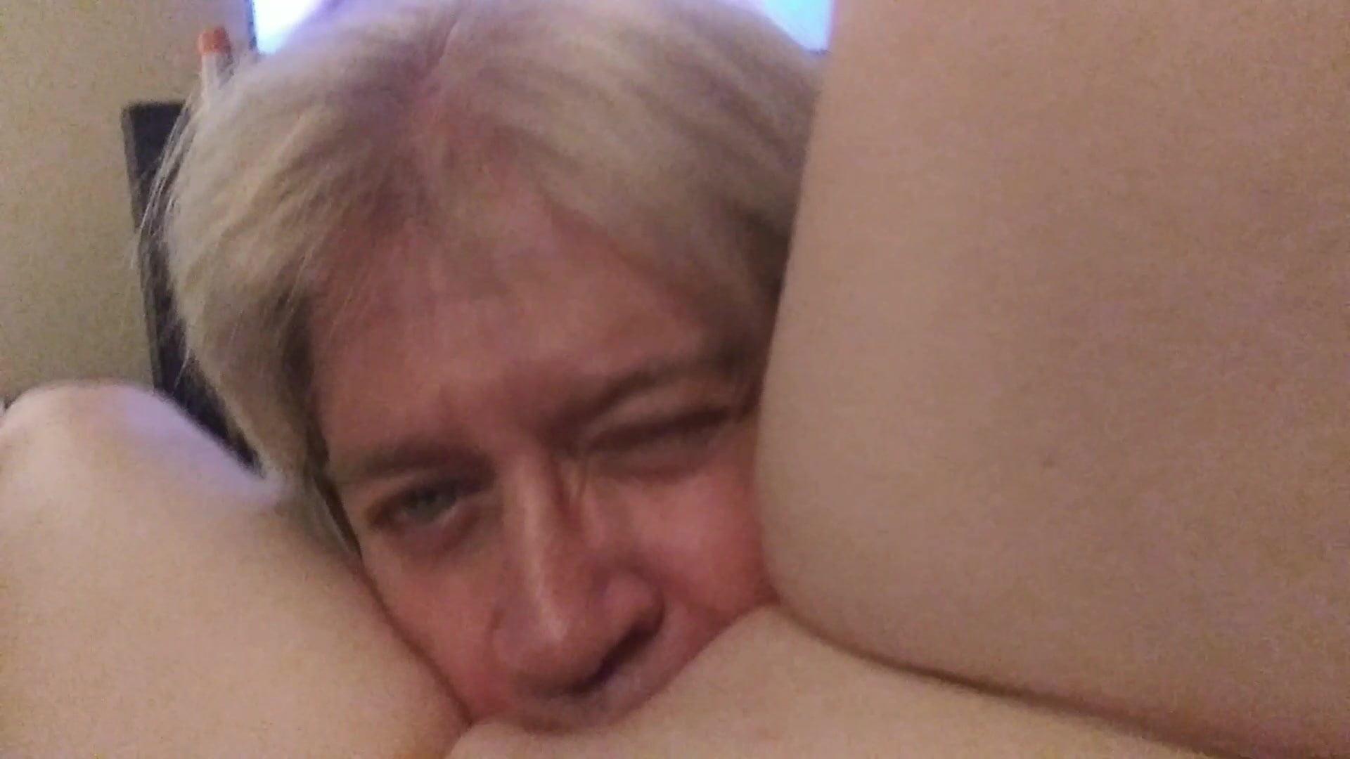 Ebony Orgasm Pussy Eating