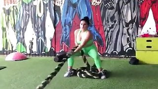 Ariel Winter pulling a thick rope July 21 2-18