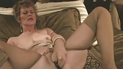 The other hot mature beauty solo clip