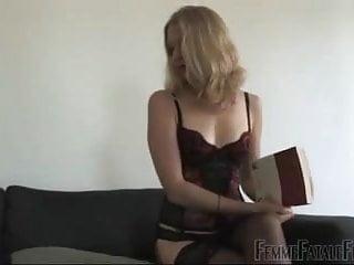 Femme fatale lesbian clip Femme fatale facesitting