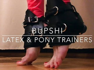 Live pony sex Bupshi - latex pony trainers