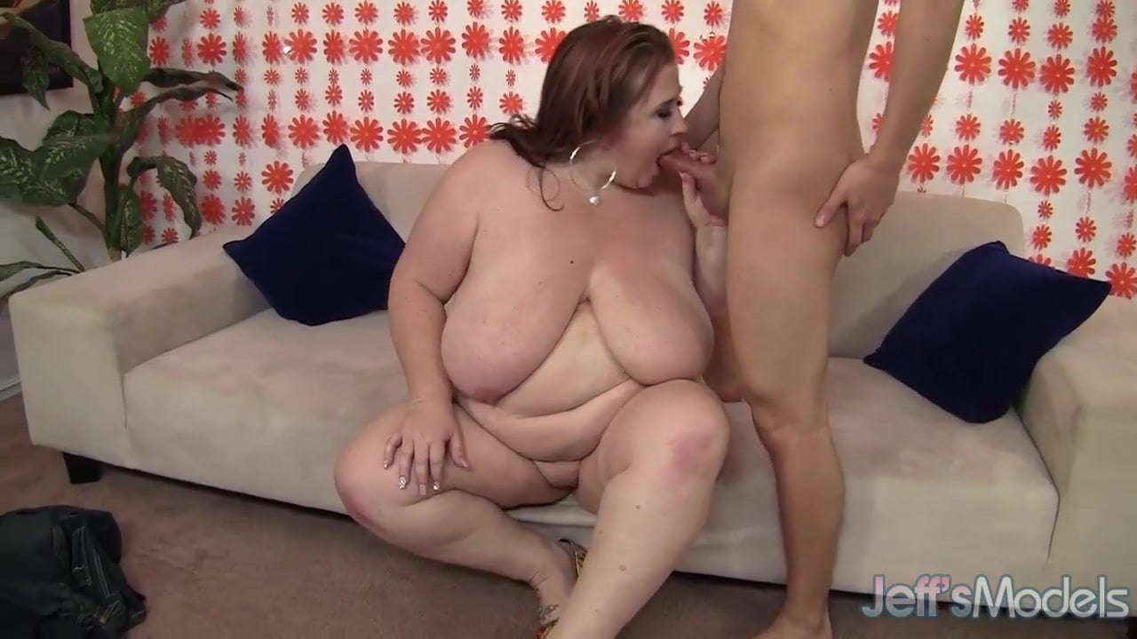 Chubby mature woman porn