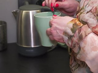 Sex and good Busty mature mom makes bad coffee but good sex