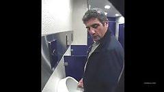 cruising in toilet !!