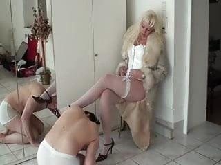 Fur femdom Mistress in furs