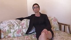 Diane hot french milf fucked by young guy in the casting