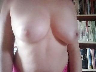 Sexy le french lingerie company Le betisier , lilly a faillit glisser et se casser la figure