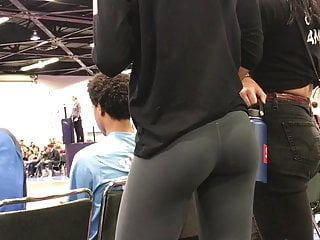 Asses in yoga pants nude Sweet ass in yoga pants
