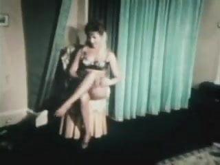 Vintage glam rooms - Bathtime 6os glam movie