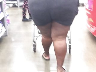 Enormous busty black bbw - Ghetto bbw got an enormous ass